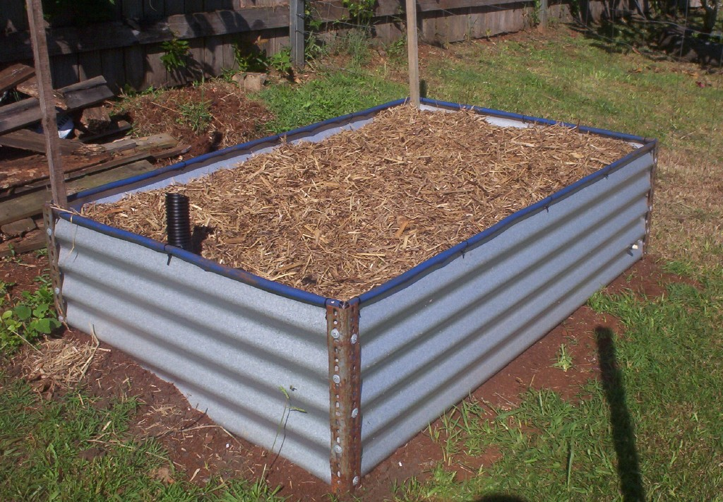 Forum diy colorbond raised garden bed for Garden bed design ideas