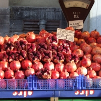 Azerbaijani pomegranates  in the market in Latvia - sooooo big and juicy By Phyllis Buchanan [CC BY-SA 2.0 (https://creativecommons.org/licenses/by-sa/2.0/)] From Flickr https://flic.kr/p/sqyQa